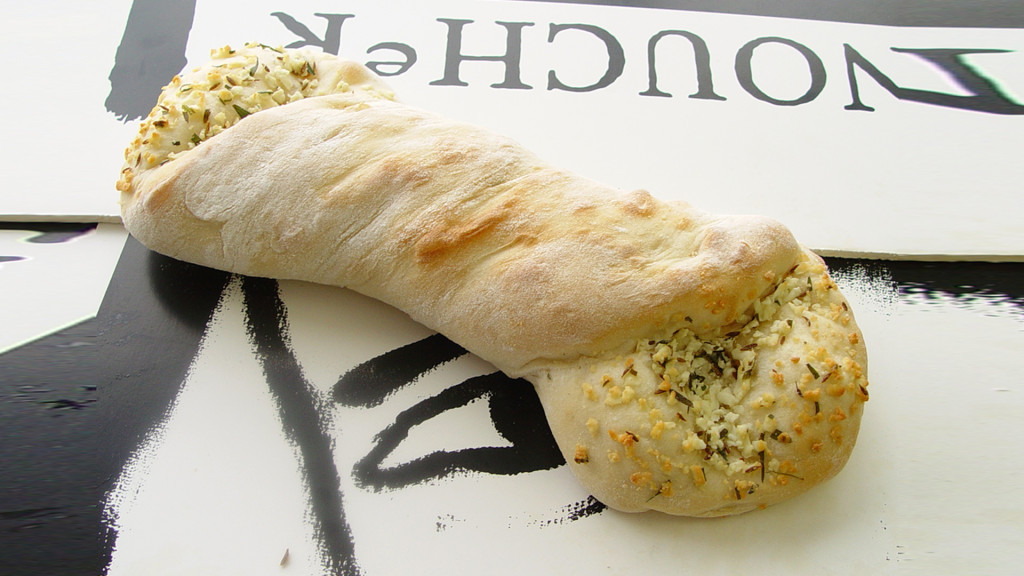 L005W_H_HERB_CHEESE bread